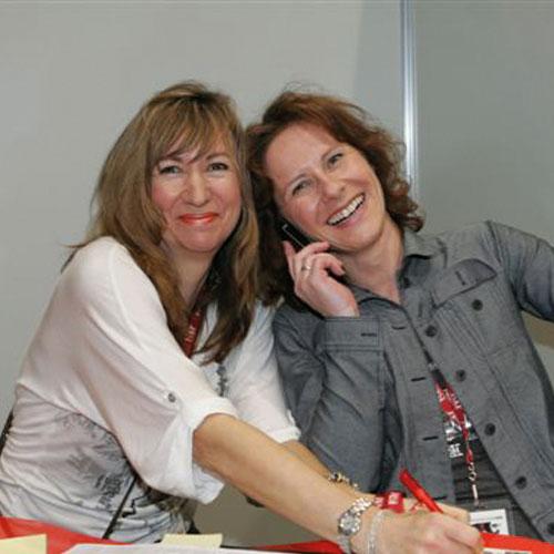 Corinne Seelbach und Ute Schneider, Manager Sales Promotion, Vodafone GmbH